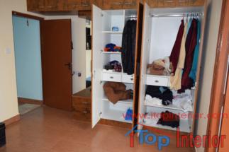 Wardrobe (113)