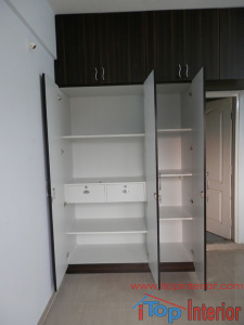 3 doors wardrobe inside design