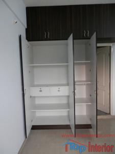 3 doors wardrobe inside design