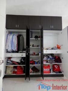 5 Doors wardrobe inside view