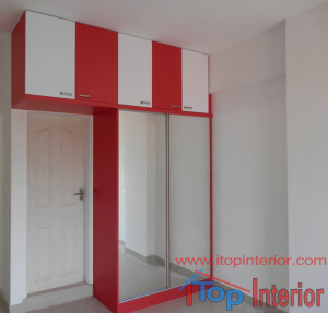 Sliding door wardrobe with full length mirrors